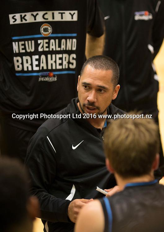 Breaker's coach Paul Henare. NBL Preseason basketball, NZ Breakers v Brisbane Bullets, PG Arena, Napier, New Zealand. Thursday 16 September, 2016. Copyright photo: John Cowpland / www.photosport.nz