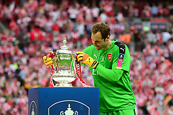 Petr Cech of Arsenal puts the cup in place - Mandatory by-line: Dougie Allward/JMP - 27/05/2017 - FOOTBALL - Wembley Stadium - London, England - Arsenal v Chelsea - Emirates FA Cup Final