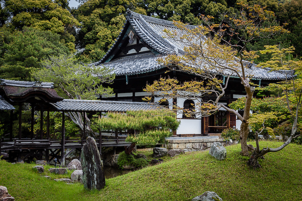 A scene from the garden of Kodai-ji buddhist temple, in Kyoto.