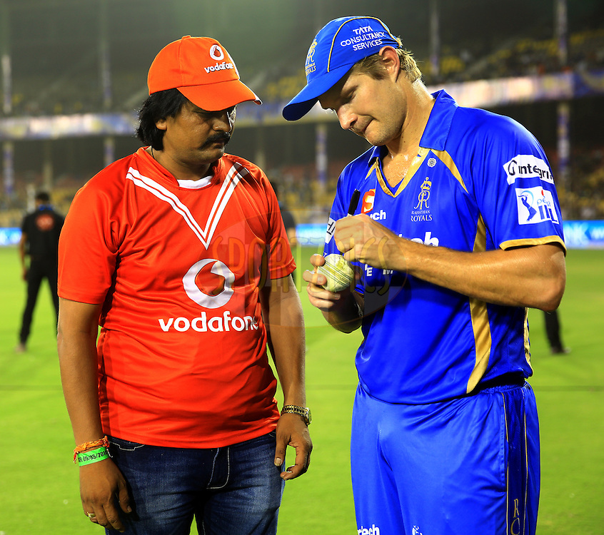 Shane Watson captain of the Rajatshan Royals signs the vodafone ball during  the presentation of the  match 25 of the Pepsi Indian Premier League Season 2014 between the Rajasthan Royals and the Kolkata Knight Riders held at the Sardar Patel Stadium, Ahmedabad, India on the 5th May  2014<br /> <br /> Photo by Sandeep Shetty / IPL / SPORTZPICS      <br /> <br /> <br /> <br /> Image use subject to terms and conditions which can be found here:  http://sportzpics.photoshelter.com/gallery/Pepsi-IPL-Image-terms-and-conditions/G00004VW1IVJ.gB0/C0000TScjhBM6ikg