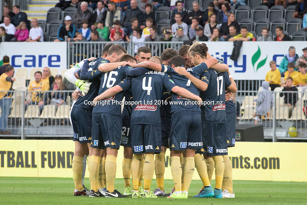 The Mariners team make a circle ahead of the round 17 A-League match between the Wellington Phoenix and the Central Coast Mariners at AMI Stadium in Christchurch, New Zealand. 30 January 2016. Photo: Kai Schwoerer / www.photosport.nz