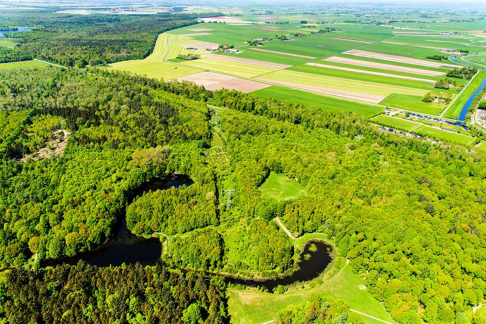 Nederland, Flevoland, Noordoostpolder, 07-05-2018; bos bij Luttelgeest, gezien naar Kuinderbos.<br /> Aangeplant bos. <br /> Planted forest in new polder, North East Polder.<br /> <br /> luchtfoto (toeslag op standard tarieven);<br /> aerial photo (additional fee required);<br /> copyright foto/photo Siebe Swart