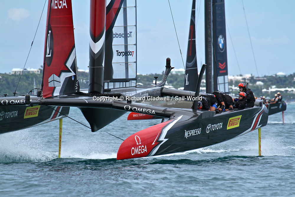 Emirates Team NZ leads Oracle Team USA - America's Cup 2017, June 24, 2017 - Great Sound Bermuda.<br /> Copyright photo: Richard Gladwell / www.photosport.nz