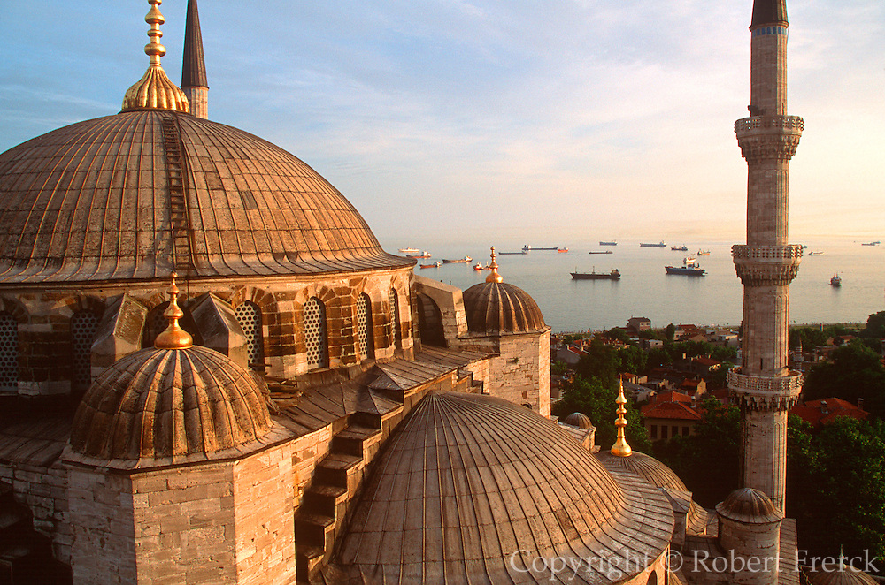 TURKEY, ISTANBUL, SKYLINE Blue Mosque and Sea of Marmara