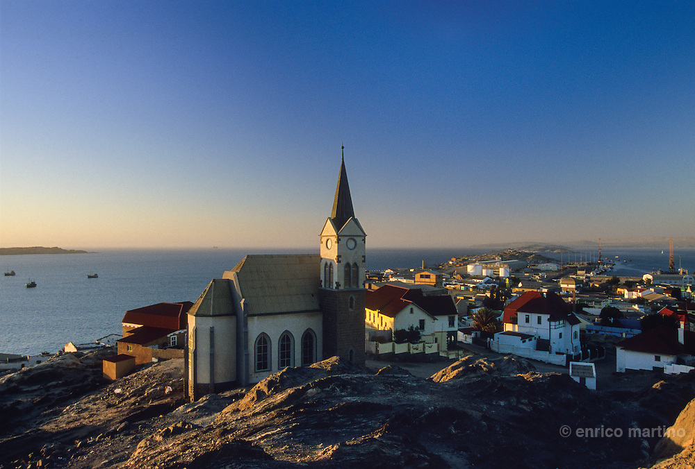 In 1883 Adolf Luderitz, from Bremen, buyed Angra Pequena from the local Nama chief. The village began as trading post. In 1909, after the discovery of diamonds in tjis area, Luderitz enjoyed a lot of prosperity. Today the diamonds are foundly elsewhere and this city lost a lot of interest.The town is known for its German colonial architecture Art Nouveau.