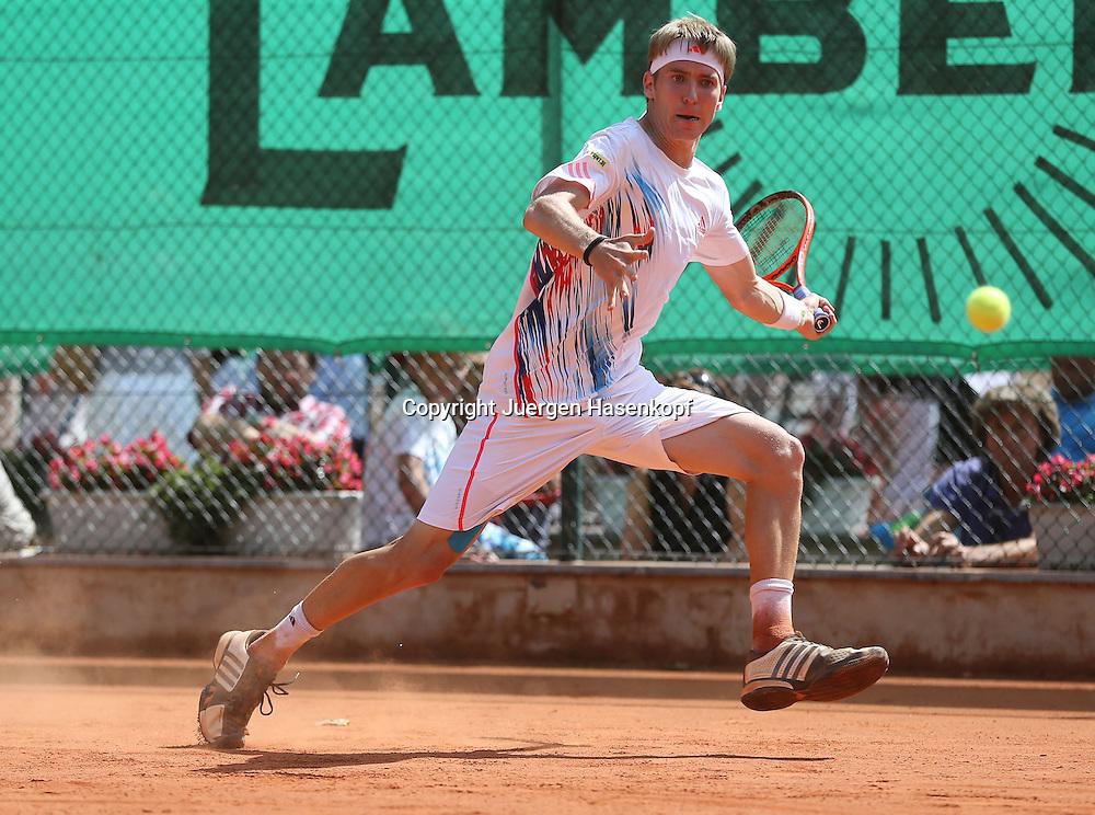Tennis Bundesliga 2012,TK Kurhaus Aachen gegen TC Blau-Weiß Halle ,Tennis Turnier,Club, Sandplatz, Deutsche  Meisterschaft,Aachen Spieler Cedrik Marcel Stebe in Aktion,