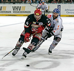 20.04.2010, TUI Arena, Hannover, GER, DEL, Hannover Scorpions vs Augsburger Panther, Play Off, im Bild Zweikampf zwischen Adam Mitchell (Hannover #47) und Tyler Beechey (Augsburg #16) EXPA Pictures © 2010, PhotoCredit: EXPA/ nph/  Schrader / SPORTIDA PHOTO AGENCY
