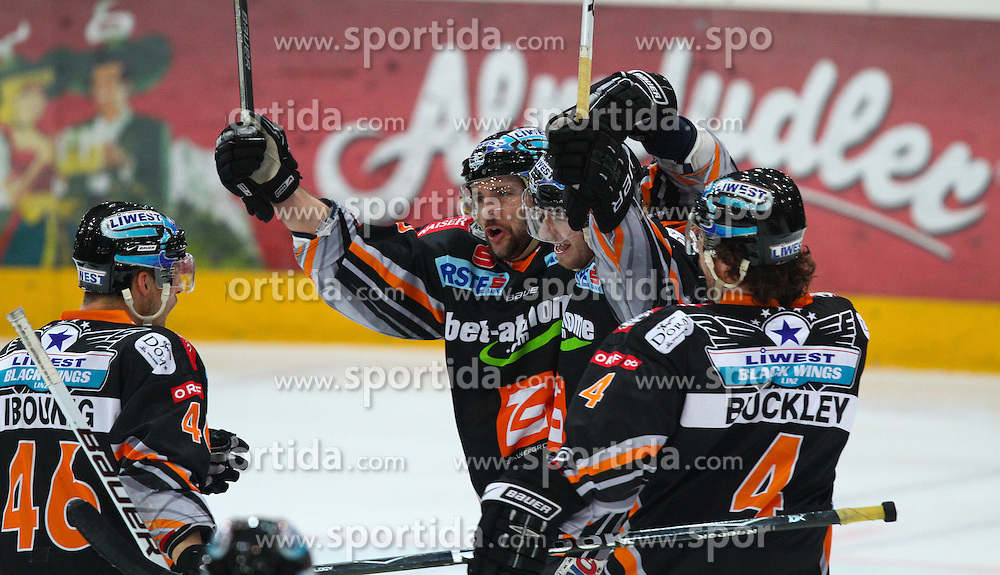 23.03.2010, Albert Schultz Halle, Wien, AUT, EBEL, Vienna Capitals vs Black Wings Linz, im Bild Torjubel der Linzer, EXPA Pictures © 2010, PhotoCredit: EXPA/ T. Haumer / SPORTIDA PHOTO AGENCY