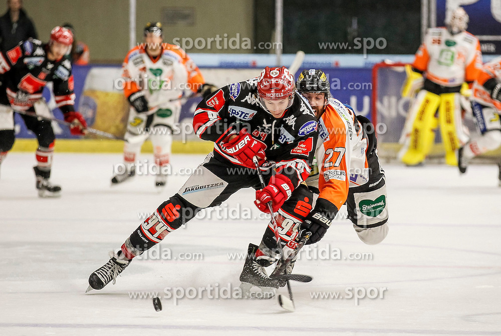 21.12.2014, Eisstadion Liebenau, Graz, AUT, EBEL, Moser Medical Graz 99ers vs HC TWK Innsbruck, 29. Runde, im Bild Dominique Saringer (HC TWK Innsbruck) und Stephen Werner (Moser Medical Graz 99ers) // during the Erste Bank Icehockey League 29th Round match between Moser Medical Graz 99ers and HC TWK Innsbruck at the Ice Stadium Liebenau, Graz, Austria on 2014/12/21, EXPA Pictures © 2014, PhotoCredit: EXPA/ Erwin Scheriau