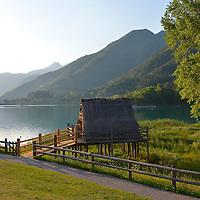 Tramonto nel parco del Museo delle Palafitte del Lago di Ledro