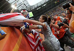 10.07.2011, Glückgas Stadion, Dresden,  GER, FIFA Women Worldcup 2011, Viertelfinale , Brasil (BRA) vs USA (USA)  im Bild   . Torhüterin Hope Solo (USA) jubelt mit den Fans über den Einzug ins Halbfinale nach Elfmeterschiessen .//  during the FIFA Women Worldcup 2011, Quarterfinal, Germany vs Japan  on 2011/07/10, Arena im Allerpark , Wolfsburg, Germany.  .EXPA Pictures © 2011, PhotoCredit: EXPA/ nph/  Hessland       ****** out of GER / CRO  / BEL ******