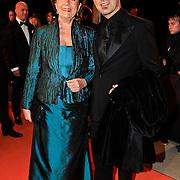 NLD/Katwijk/20101030 - Inloop premiere musical Soldaat van Oranje, Anne Will Blankers en ..............