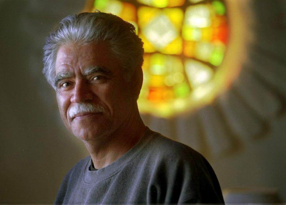 MH // SLUGGED: ANAYA //AP2 arts Author Rudolfo Anaya, in his Albuquerque home