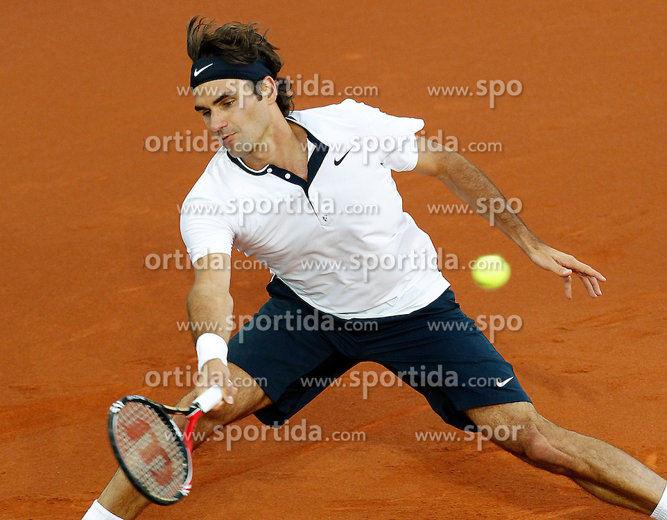 15.05.2010, Centercourt, Madrid, ESP, ATP World Tour, Madrid Open Men's Singles, Roger Federer (SUI) vs David Ferrer (ESP), im Bild Roger Federer during Tennis Madrid Open match, May 15,2010. EXPA Pictures © 2010, PhotoCredit: EXPA/ Alterphotos/ Acero / SPORTIDA PHOTO AGENCY