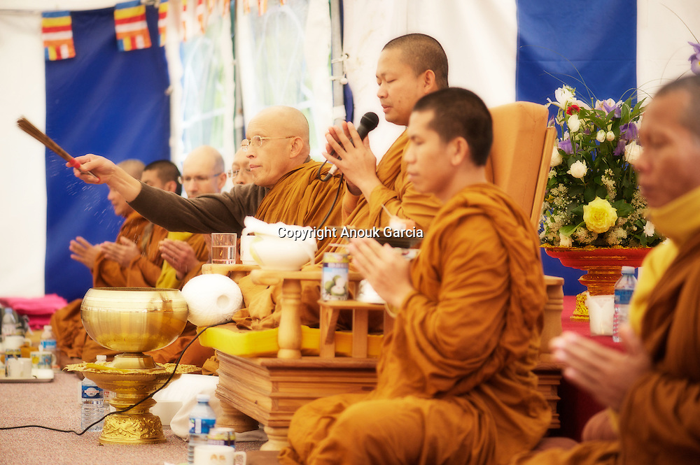 Monastère Bodhinyanarama. Vesak. Luang Pu Nenkham Chattigo et le Vénérable Nyanadharo