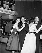 22/11/1958<br /> 11/22/1958<br /> 22 November 1958<br /> Irish Shell staff dance at the Shelbourne Hotel, Dublin. View of some of the Irish Shell staff dancing.