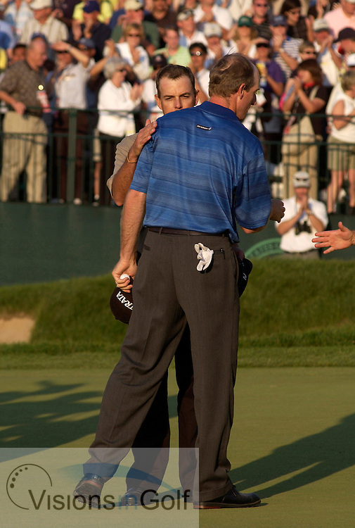 US Open, June 2003, Olympia Fields CC, Chicago. Stephen Leaney congratulates Jim Furyk on his win on the 18th green<br />
