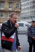 Frankfurt am Main   11 Apr 2015<br /> <br /> Am Samstag (11.04.2015) demonstrierten etwa 35 Personen der Gruppe &quot;Freie B&uuml;rger f&uuml;r Deutschland&quot; (FBfD, ex PEGIDA) auf dem Rossmarkt in Frankfurt am Main gegen &quot;Islamisierung&quot;, ihre Redebeitr&auml;ge gingen in dem Geschrei der etwa 800 Gegendemonstranten unter.<br /> Hier: Michael St&uuml;rzenberger, Aktivist der Partei &quot;Die Freiheit&quot;, h&auml;lt eine Rede.<br /> <br /> &copy;peter-juelich.com<br /> <br /> [Foto honorarpflichtig   No Model Release   No Property Release]