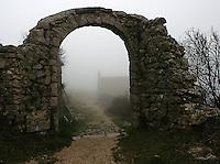 Tåke, fog, steinmur, port, stone gate