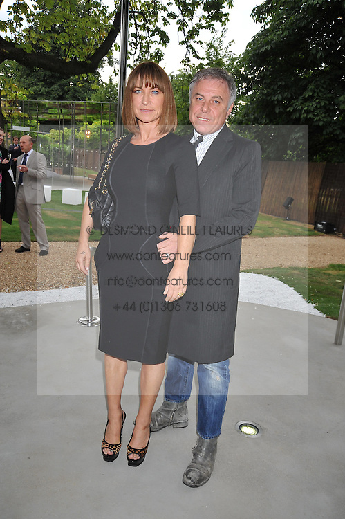 MEG MATTHEWS and PETER SIDELL at the annual Serpentine Gallery Summer Party sponsored by Canvas TV  the new global arts TV network, held at the Serpentine Gallery, Kensington Gardens, London on 9th July 2009.