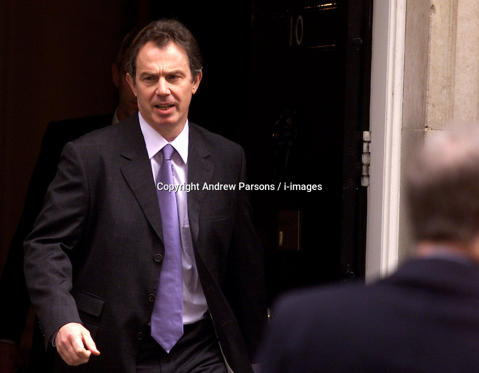 PRIME MINISTER TONY BLAIR LEAVING 10 DOWNING ST THIS MORNING, March 6, 2000. Photo by Andrew Parsons / i-images..