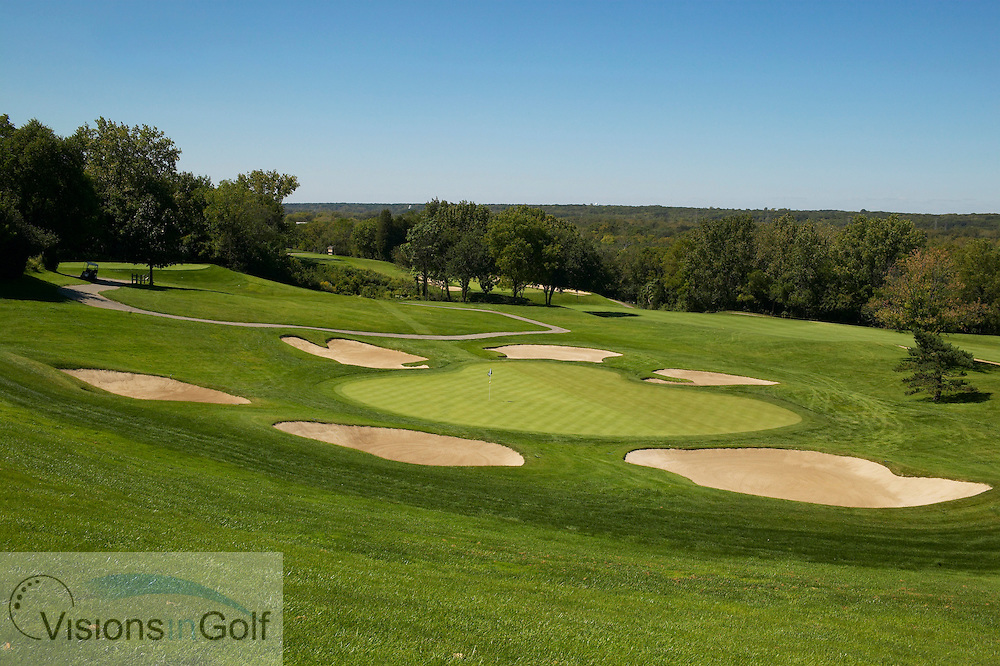 040907 Chicago Il  / The 14th green on the no 4 Dubsdread golfcourse at Cog Hill conttry club, par three<br /> Photo Visions In Golf/Christer Hoglund