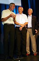Friidrett / Athletics<br /> ExxonMobil Bislett Games 2005<br /> 29.07.2005<br /> Foto: Morten Olsen, Digitalsport<br /> <br /> Pre-competition dinner<br /> <br /> Famous Bislett Stars of the past. (L-R): Fred Anton Maier (skating), Knut Johannessen (Kuppern) and Egil Danielsen