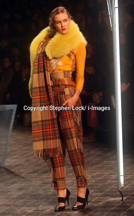 Sonia Rykiel Ready to Wear Autumn/Winter 2011.  Photo by: Stephen Lock/i-Images
