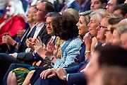 Koningin Maxima houdt de openingstoespraak bij de Global Entrepreneurship Summit (GES) in het World Forum. Zij deed dit mede in haar functie van lid van het Nederlands Comite voor Ondernemerschap en speciale pleitbezorger van de Verenigde Naties voor inclusieve financiering voor ontwikkeling.<br /> <br /> Queen Maxima gives the opening address at the Global Entrepreneurship Summit (GES) in the World Forum. She did this in part as a member of the Dutch Committee for Entrepreneurship and a special advocate of the United Nations for inclusive financing for development. <br /> <br /> Op de foto / On the photo:  Queen Maxima