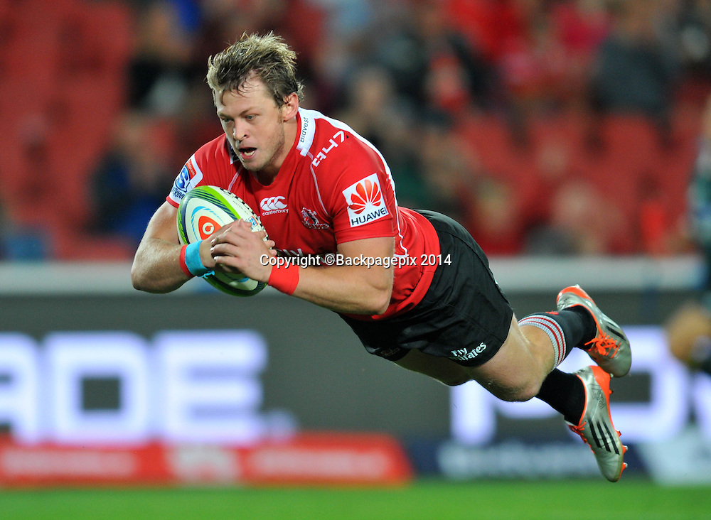 Ruan Combrinck of the Lions score his try during the 2015 Super Rugby match between the Lions and the Cheetahs at the Ellis Park Stadium in Johannesburg, South Africa on April 25, 2015 ©Samuel Shivambu/BackpagePix