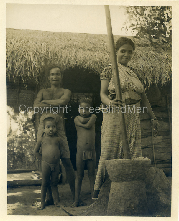 Kombi, daughter of Tissahamy - husband and children.  about 2 1/2 years after 1st meeting.<br />