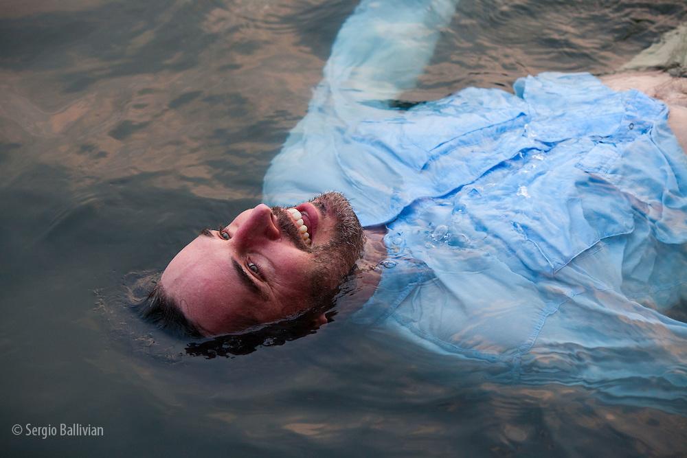 Corey Hendrickson floating at Chalalan Lodge in Bolivia.