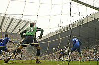 Photo: Andrew Unwin.<br /> Newcastle United v Chelsea. The Barclays Premiership. 07/05/2006.<br /> Newcastle's Titus Bramble (#19) scores his team's first goal.