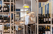 Milan, Bollate, InGalera Restaurant: Juan Carlos doing the mise en place