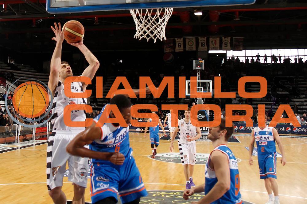 DESCRIZIONE : Caserta Lega A 2012-13 Juve Caserta Enel Brindisi<br /> GIOCATORE : Luigi Sergio<br /> CATEGORIA : tiro<br /> SQUADRA : Juve Caserta<br /> EVENTO : Campionato Lega A 2012-2013 <br /> GARA : Juve Caserta Enel Brindisi<br /> DATA : 07/04/2013<br /> SPORT : Pallacanestro <br /> AUTORE : Agenzia Ciamillo-Castoria/A. De Lise<br /> Galleria : Lega Basket A 2012-2013  <br /> Fotonotizia : Caserta Lega A 2012-13 Juve Caserta Enel Brindisi