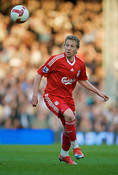 LONDON, ENGLAND - Saturday, April 4, 2009: Liverpool's Lucas Leiva in action against Fulham during the Premiership match at Craven Cottage. (Pic by David Rawcliffe/Propaganda)
