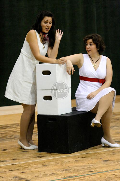 Maya Lahyani and Vira Slywotzky in Cosi Fan Tutte