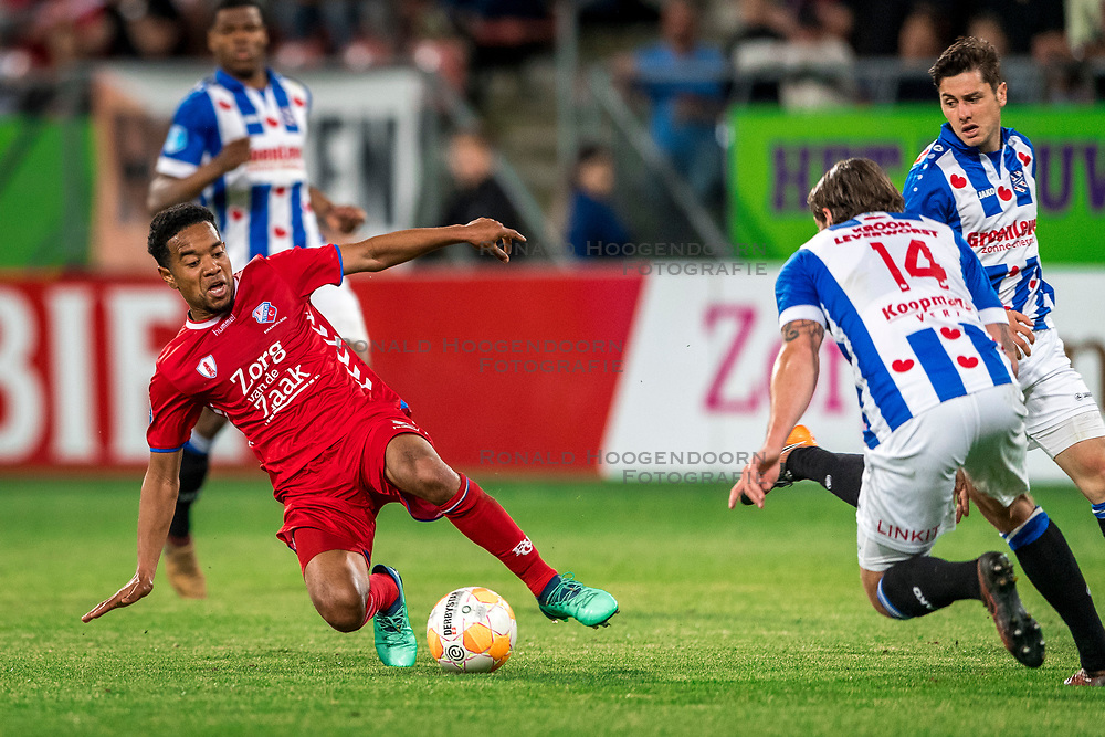 12-05-2018 NED: FC Utrecht - Heerenveen, Utrecht<br /> FC Utrecht win second match play off with 2-1 against Heerenveen and goes to the final play off / Urby Emanuelson #18 of FC Utrecht, Marco Rojas #7 of SC Heerenveen, Dave Bulthuis #14 of SC Heerenveen