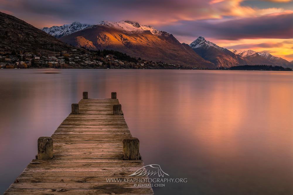 Sunset glow at Lake Wakatipu, New Zealand