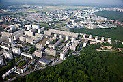 Meudon, département des Hauts-de-Seine (92), résidence du parc, social housing edged by open space.