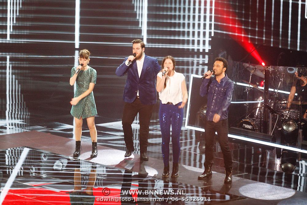 NLD/Hilversum/20160109 - 4de live uitzending The Voice of Holland 2015, Jennie Lena, Dave Vermeulen Maan de Steenwinkel en Ivar Vermeulen