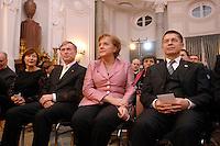 """24 MAR 2007, BERLIN/GERMANY:<br /> Eva Luise Koehler, Ehefrau von H. Koehler, Horst Koehler, Bundespraesident, Angela Merkel, CDU, Bundeskanzlerin, und Joachim Sauer, Ehemann von A. Merkel, (v.L.n.R.), vor einem Abendessen auf Einladung des Bundespraesidenten, im Rahmen des Treffens der Staats- und Regierungschefs der Europaeischen Union  anl. des 50. Jahrestages der """"Roemischen Vertraege"""", Schloss Bellevue<br /> IMAGE: 20070324-03-039<br /> KEYWORDS: Ehepartner, Horst Köhler"""