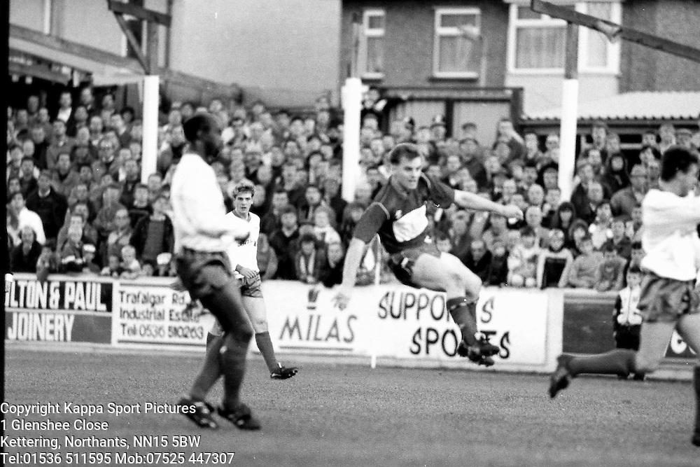Kettering Town FC v Yeovil (The Glovers) Poppies, Rockingham Road, 1989