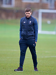 WOLVERHAMPTON, ENGLAND - Tuesday, December 19, 2017: Liverpool's Under-18 manager Steven Gerrard during the pre-match warm-up before an Under-18 FA Premier League match between Wolverhampton Wanderers and Liverpool FC at the Sir Jack Hayward Training Ground. (Pic by David Rawcliffe/Propaganda)