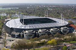 """29.04.2011, Weser Stadion Bremen, GER, Blick ins Leere Stadion, Feature Luftaufnahme auf das neue Stadion / Die deutsche Fußball-Nationalmannschaft wird das für den 29. Februar 2012 geplante Länderspiel gegen Frankreich im neuen Bremer Weserstadion bestreiten...,,Wir freuen uns, dass wir nach fast sechs Jahren wieder in Bremen zu Gast sind und wollen unseren Fans ein attraktives Spiel bieten. Die Aufeinandertreffen mit Frankreich sind traditionell reizvolle Duelle, die im Blickpunkt stehen und sportlich einen hohen Stellenwert haben"""", sagt Oliver Bierhoff, Manager der Nationalmannschaft...Beim bisher letzten Länderspiel in Bremen am 7. September 2005 gewann die deutsche Mannschaft 4:2 gegen Südafrika, dabei erzielte Nationalstürmer Lukas Podolski drei Treffer. Quelle DFB  EXPA Pictures © 2011, PhotoCredit: EXPA/ nph/  Kokenge       ****** out of GER / SWE / CRO  / BEL ******"""