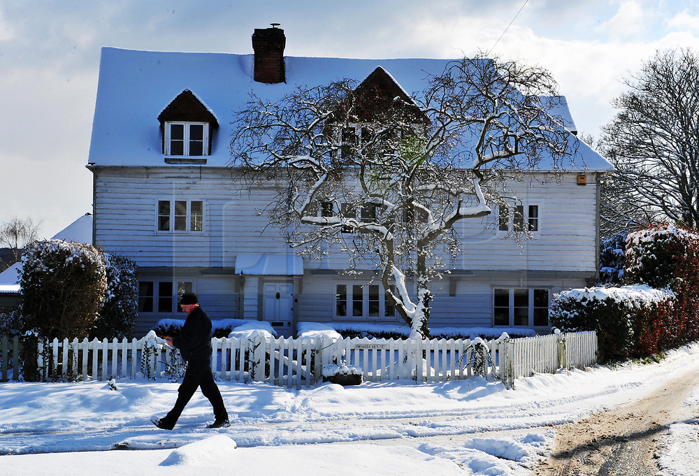 © Licensed to London News Pictures.27/02/2018<br /> TROTTISCLIFE, UK.<br /> The White House covered in snow.<br /> The snowy village of TROTTISCLIFE in Kent.<br /> Photo credit: Grant Falvey/LNP