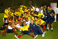 FOOTBALL - UNDER 21 - INTERNATIONAL TOULON FESTIVAL 2011 - FINAL - COLOMBIA v FRANCE - 10/06/2011 - PHOTO PHILIPPE LAURENSON / DPPI - COLOMBIA PLAYERS JUBILATE WITH THOPHY AFTER WINNING MATCH