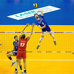 08.01.2016, Max Schmeling Halle, Berlin, GER, CEV Olympia Qualifikation, Frankreich vs Bulgarien, im Bild Angriff Julien?Lyneel (#11, Frankreich/France) // during 2016 CEV Volleyball European Olympic Qualification Match between France and Bulgaria at the  Max Schmeling Halle in Berlin, Germany on 2016/01/08. EXPA Pictures © 2016, PhotoCredit: EXPA/ Eibner-Pressefoto/ Wuechner<br /> <br /> *****ATTENTION - OUT of GER*****