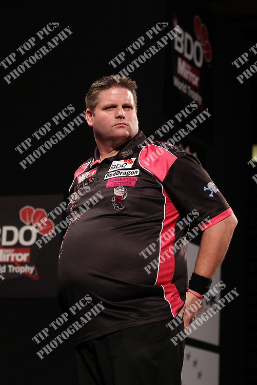 BDO EVENTS AND THE DAILY MIRROR WORLD DARTS TROPHY 2014,Paul Jennings v Scott Mitchell<br /> ,last8, PICS, TIPTOPPICS.COM &amp; BDO EVENTS,