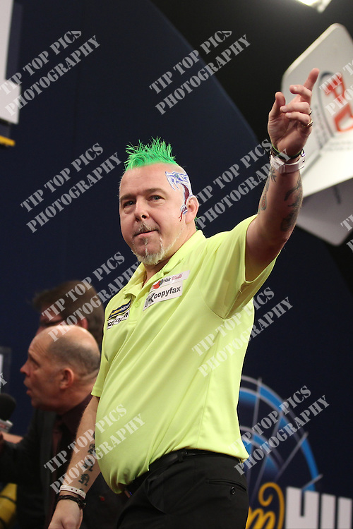 DARTS<br /> GRAND SLAM OF DARTS 2013<br /> PETER WRIGHT<br /> CIVIC CENTRE WOLVERHAMPTON<br /> PIC; CHRIS SARGEANT<br /> PETER WRIGHT IN ACTION